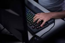 mechanical gaming keyboard razer blackwidow chroma v2