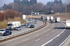 Autobahn Rechts Vorbeifahren - schweizerischer fahrlehrerverband srv rechts vorbeifahren