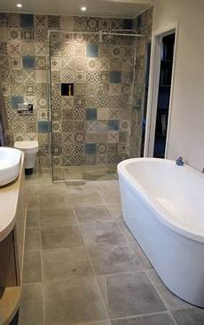 carrelage carreaux de ciment salle de bain patchwork carreaux de ciment couleurs mati 232 res ideas for the bathroom azulejo banheiro