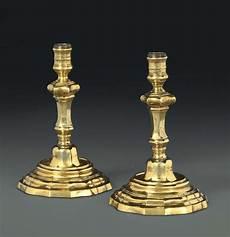 candelieri in argento coppia di candelieri in argento sbalzato cesellato e