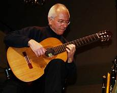 classical guitar players why are classical guitarists so obsessed with their left