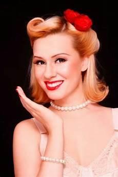 Pin By Margaret Martinez On Disney Days 1950s Hairstyles