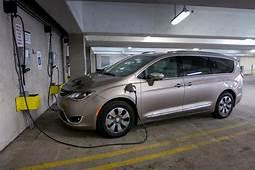 2017 Chrysler Pacifica Hybrid Hits Dealers April 17  News