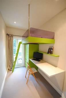 jugendzimmer einrichten kleines zimmer kleines kinderzimmer einrichten platzsparendes hochbett