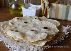 pane fatto in casa senza lievito pane senza lievito bolloso e croccante ricetta facile
