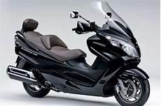 suzuki 125 cc maxi scooter burgman launched in