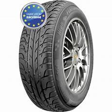 pneu chez feu vert pneus pas cher feu vert le specialiste du pneu