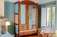 relooker une vieille armoire avec du papier peint diy family