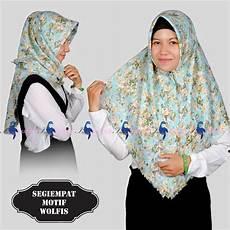 Model Jilbab Segi Empat Motif Terbaru Casual