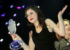 lena meyer landrut esc eurovision trophy from platelet to glass microphone