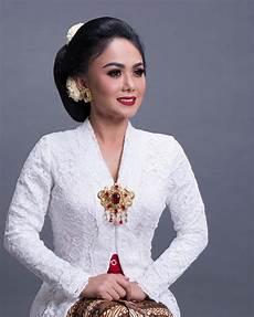 Peringati Hari Kartini Begini 10 Gaya Selebritis Dalam