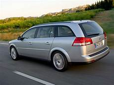 Car Pictures Opel Vectra Caravan 2006