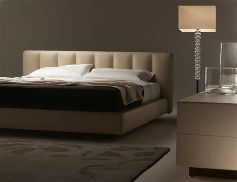 Double Beds From Poltrona Frau