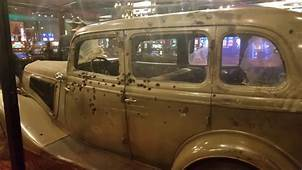 Bonnie And Clyde Death Car 7/29/18  Whiskey Petes Hotel