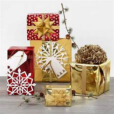 Originelle Geschenkverpackung Basteln - gift wrapping with metallic wrapping paper and shiny