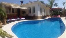 garage de la piscine villa chic avec piscine pr 232 s de la plage climatisation