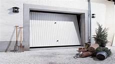 isolant porte de garage comment isoler une porte de garage brico fr