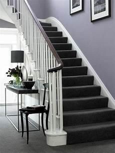 treppen teppich schwarzes design flur