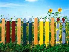 Gartenzaun Selber Bauen Holz - colorful painting ideas for fences adding bright
