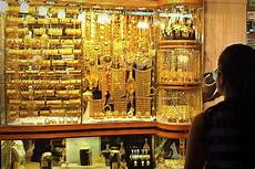 6 tips when buying gold at the deira gold souk gold souk dubai gold souk dubai travel