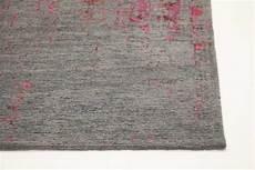 vintage teppich struktur2 grau pink rot flach