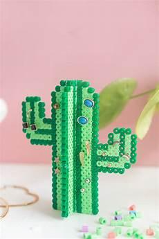 Bügelperlen Kreative Ideen - diy kaktus ohrringhalter aus b 252 gelperlen ohrringhalter