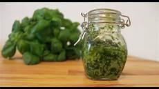 Basilikum Pesto Alla Genovese Einfaches Pesto Rezept Zum