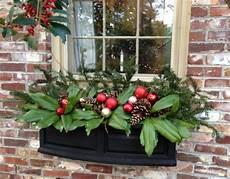 blumenkästen dekorieren winter blumenkasten weihnachtlich dekorieren 17 inspiration und