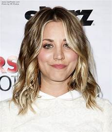 Kaley Cuoco Haare - kaley cuoco fashionable hair with layers and bright