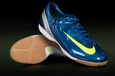 Sepatu Futsal Adidas Terbaru Dan Harganya Holidays Oo
