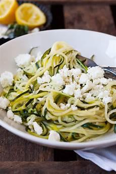 Low Carb Zucchini Spaghetti Mit Zitrone Und Feta