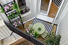 Gestaltung Kleiner Balkon - kleinen balkon gestalten platzsparende ideen und