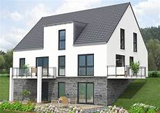 Haus Idee Bauen Am Hang Mit Einer Gesamt Wohnfl 228 Che