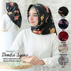 Jilbab Segi Tiga Terbaru Voal Motif