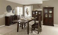 das wohnzimmer im stil vergangener zeiten kolonial m 246 bel bieten einen besonderen flair haus