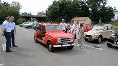 don de vehicule renault 4l pompier de 1968 ancien v 233 hicule d intervention d a 233 roport