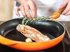 schweinefilet im ofen garen schweinefilet mit estragon karotten und kartoffelstf