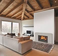 foyer pour cheminee bois crit 232 res pour choisir une chemin 233 e 224 foyer ferm 233