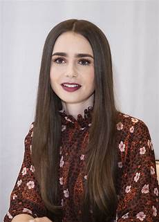 Lilly Collins Lily Collins At Tolkien Press Conference In Hollywood 04