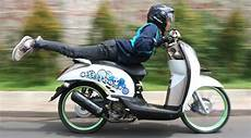 Modifikasi Lu Depan Scoopy by Modifikasi Honda Scoopy Barsaxx Speed Concept