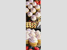 berry topped white cupcakes_image