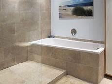 kleine badewannen mit dusche raumsparwanne bad badezimmer badewanne mit dusche und