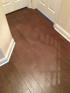 Fliesen Holzoptik Nussbaum - choosing porcelain floor faux wood tile houzz