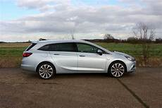 astra sports tourer vauxhall astra sports tourer review parkers
