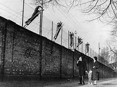 Opinion Rebuilding The Berlin Wall How Europe S Anti