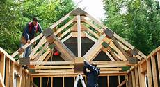 construire cabanon comment construire ferme de toit cabanon
