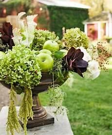 getrocknete hortensien dekorieren decorating with hydrangeas midwest living