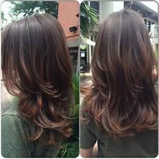 Stufenschnitt Frisur Frisuren Frisuren Lange Haare