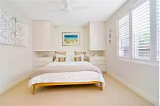 Wall Paint Small Bedroom Color Ideas by How To Choose The Best Wall Colors For Small Bedrooms
