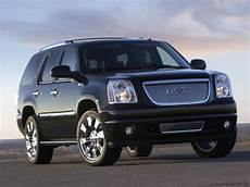 how to work on cars 2011 gmc yukon xl 2500 interior lighting 2011 gmc yukon exterior pictures cargurus